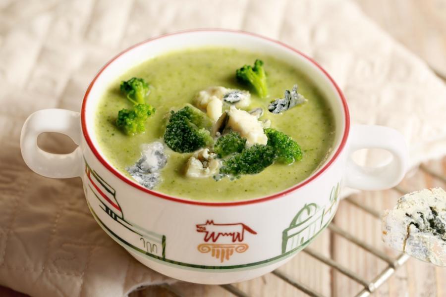 Суп-пюре из брокколи с сыром горгонзола(195 руб.)
