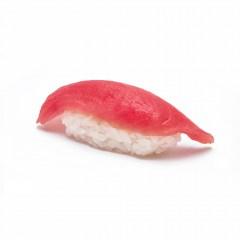 Суши с тунцом(140 руб.)
