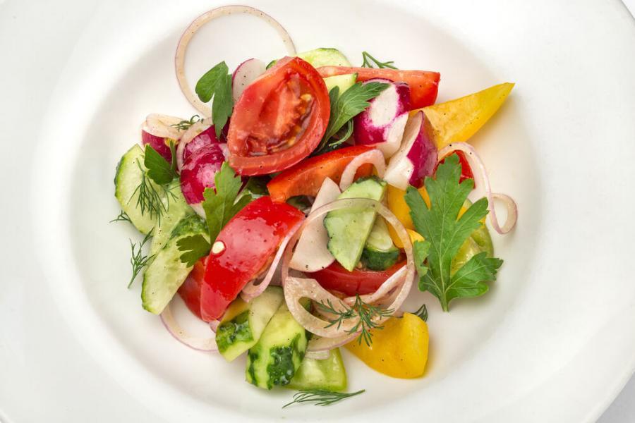 овощной салат(390 руб.)