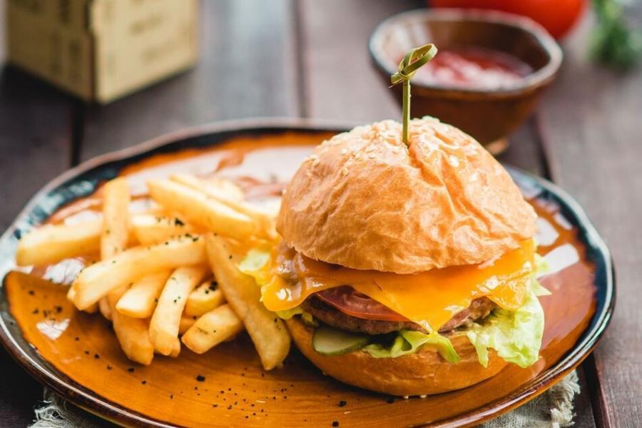 моко бургер(360 руб.)