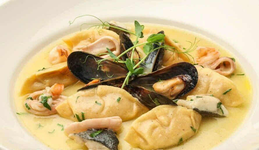 равиоли с морепродуктами(690 руб.)