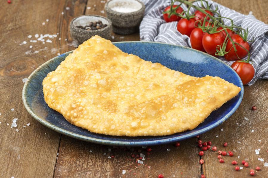 чебурек с сыром(330 руб.)