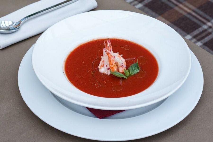 "суп ""гаспачо"" с креветками(590 руб.)"