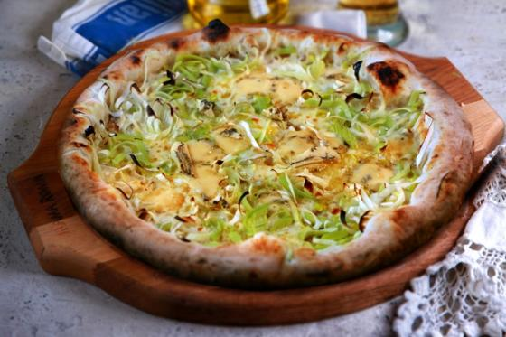Бьянка с сыром горгонзолла и луком пореем(355 руб.)