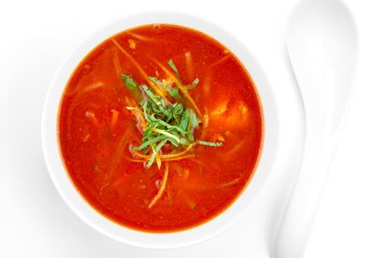 Острый томатный суп с лососем(250 руб.)