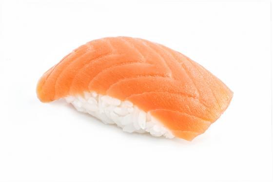 Суши с копченым лососем(160 руб.)