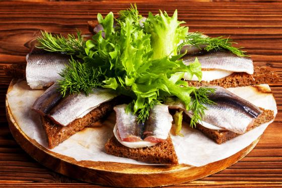 Килька балтийская на бородинском хлебе(450 руб.)