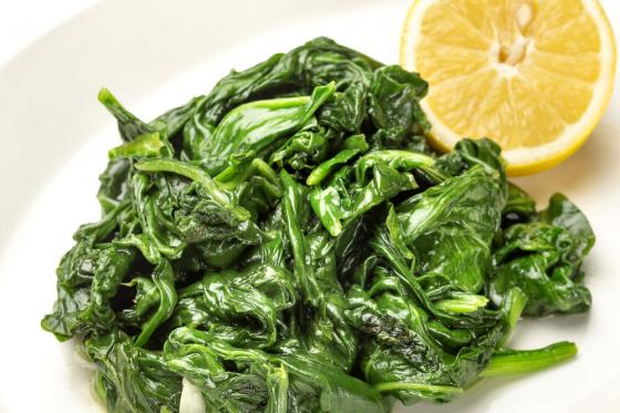 шпинат с чесноком(490 руб.)