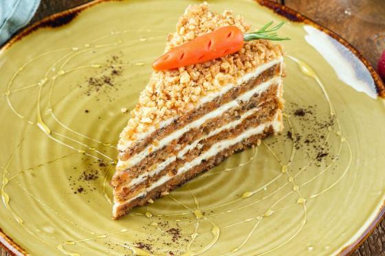 домашний морковный торт(370 руб.)