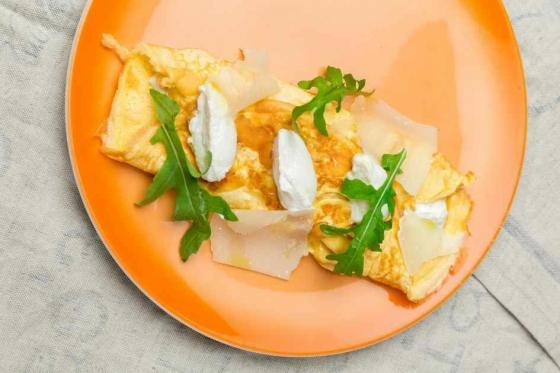 омлет с рикоттой и трюфельным кремом(390 руб.)
